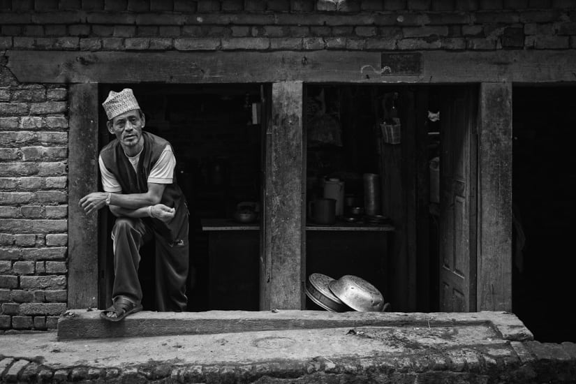 A shop keeper comes out to see what I am doing.f/2.8, 1/105 sec, at 35mm, 200 ISO, on a X-Pro1